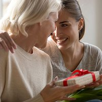 Survey: Jewelry Tops All Mother's Day Gift Categories; Spending Climbs to $5.27B